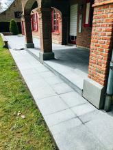 patio in natuursteen